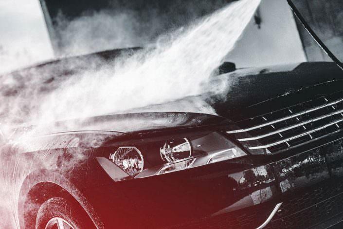 Auto Außenreinigung mit Caramba