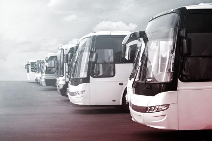 Bus Waschanlage reinigen mit Caramba
