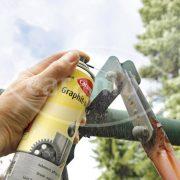Caramba Multi Graphitöl schützt vor Korrosion und Verharzung