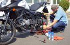Caramba Kettenspray ist ein Schmier- und Korrosionsschutzmittel für Antriebsketten von Zweirädern