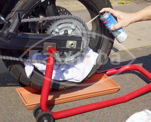 Caramba Kettenspray zur Wartung und Schmierung für Hochgeschwindigkeits-Antriebsketten