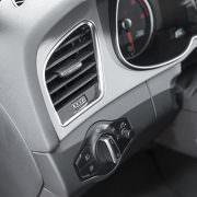 Caramba Cockpitspray sorgt dafür, dass matte Flächen matt bleiben